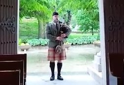 Bagpiper in St Louis - Chris Apps
