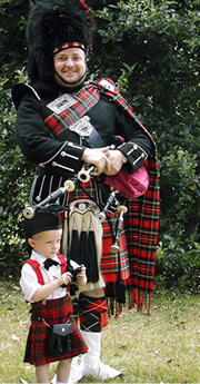 Chris Apps with a wee piper